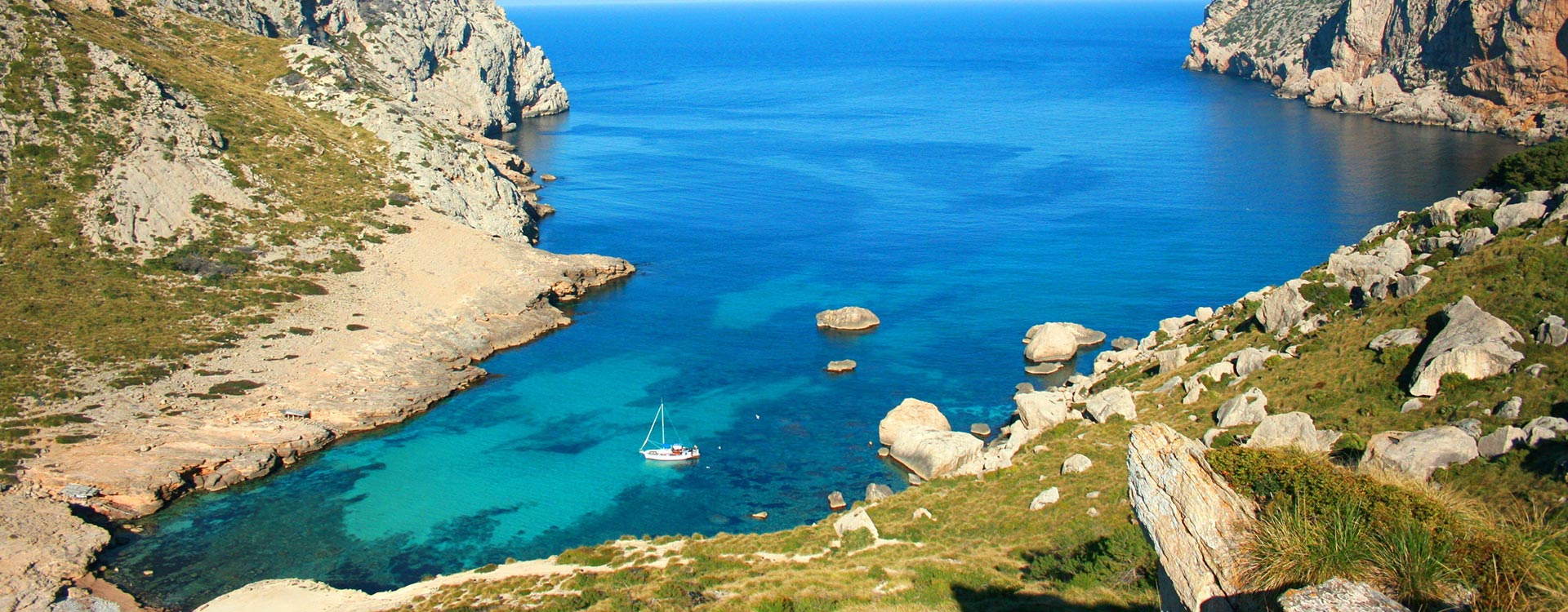 Excursión en barco por la Serra Tramuntana en Mallorca